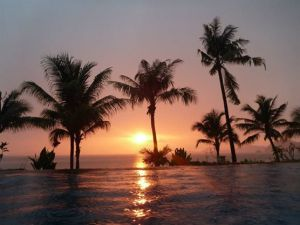 Vista desde piscina de Hotel La Prima, Labuan Bajo