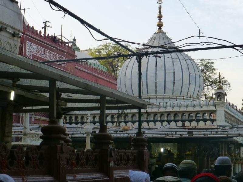 Dargah Hazrat Nizamuddin Mosque